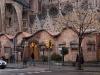1024px-Gaudi-escolesSgFam-1713-02. Courtesy causeramadalvarez