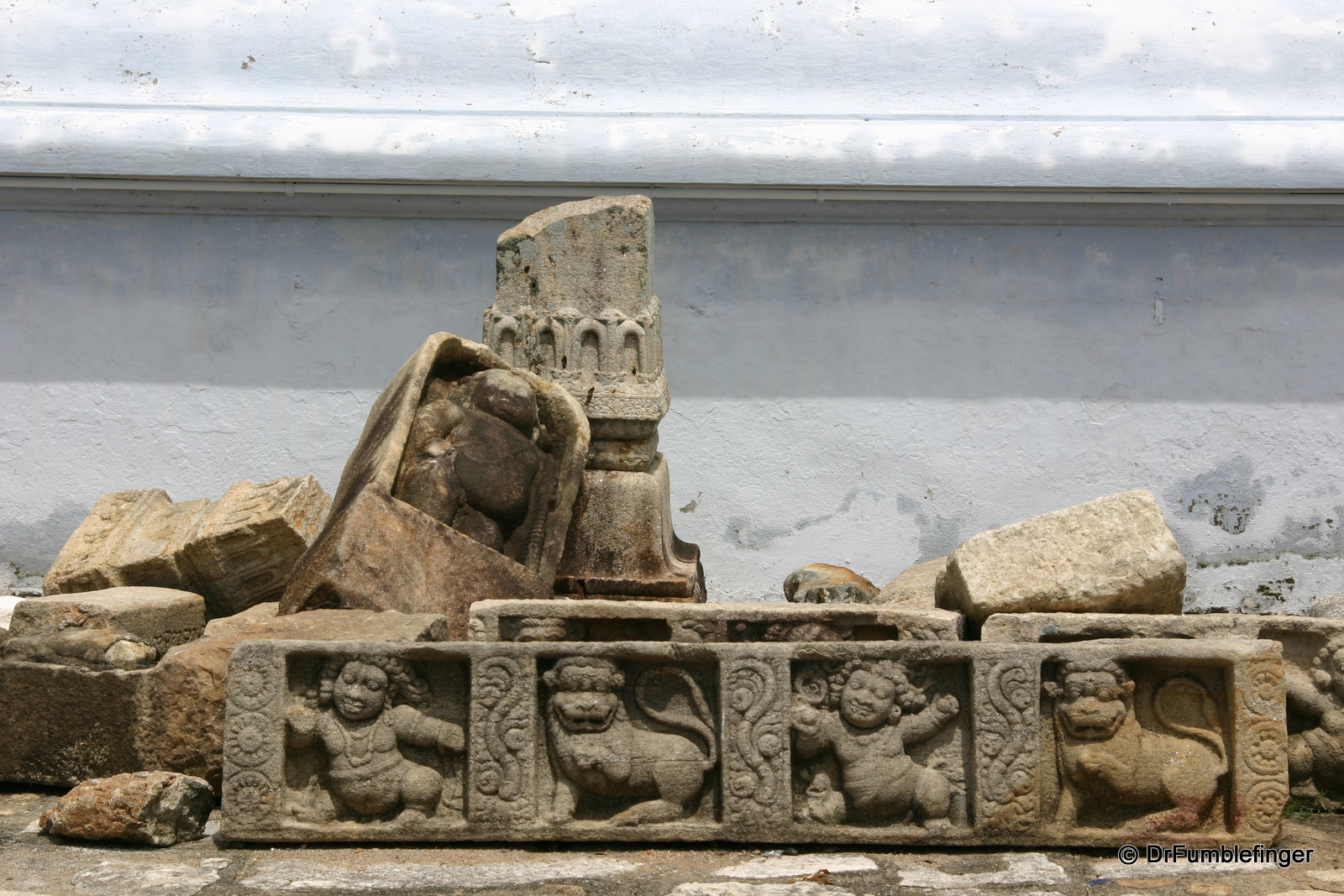 Anuradhapura -- Thuparama Dagoba