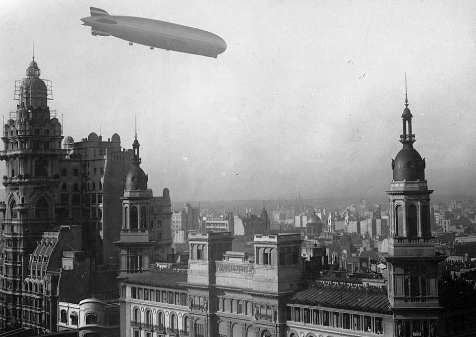 Graf Zeppelin Palacio Barolo 30 June 1934.  Courtesy Wikimedia and National Archives of Argentina