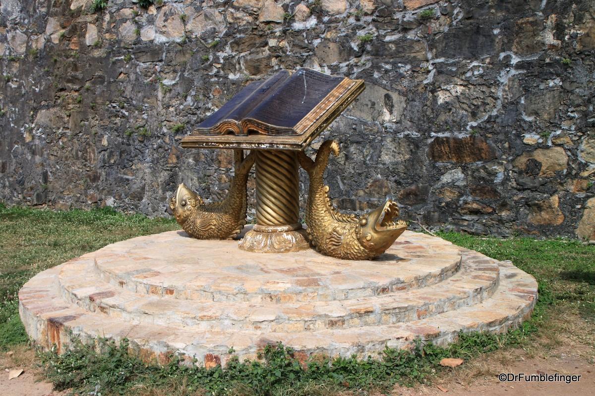 Display outside the Batticaloa Fort