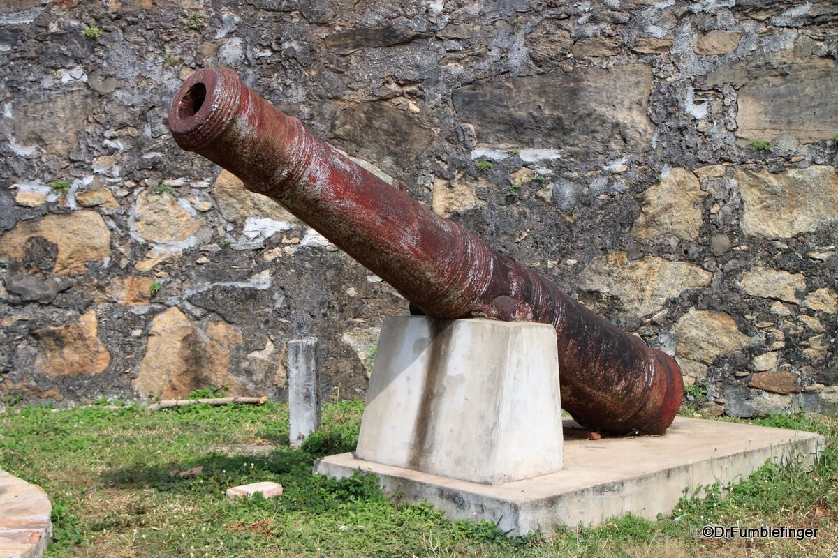 Histioric Dutch era cannon, Batticaloa Fort
