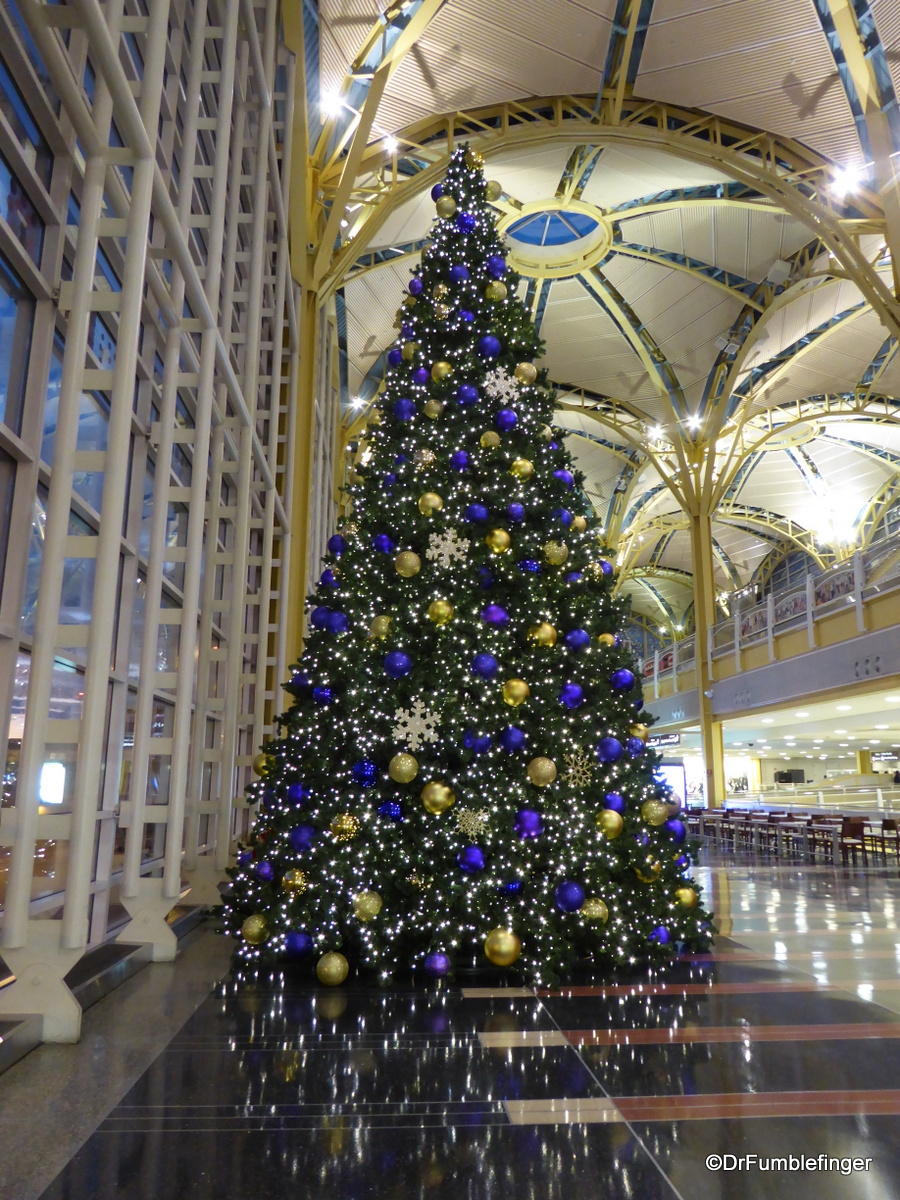 Christmas Tree, Reagan Airport