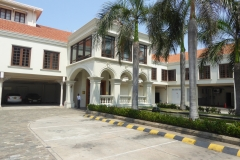 Side Entrance to the Galle Face Hotel