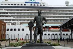 Cunard monument, Halifax Seaport Farmers' Market