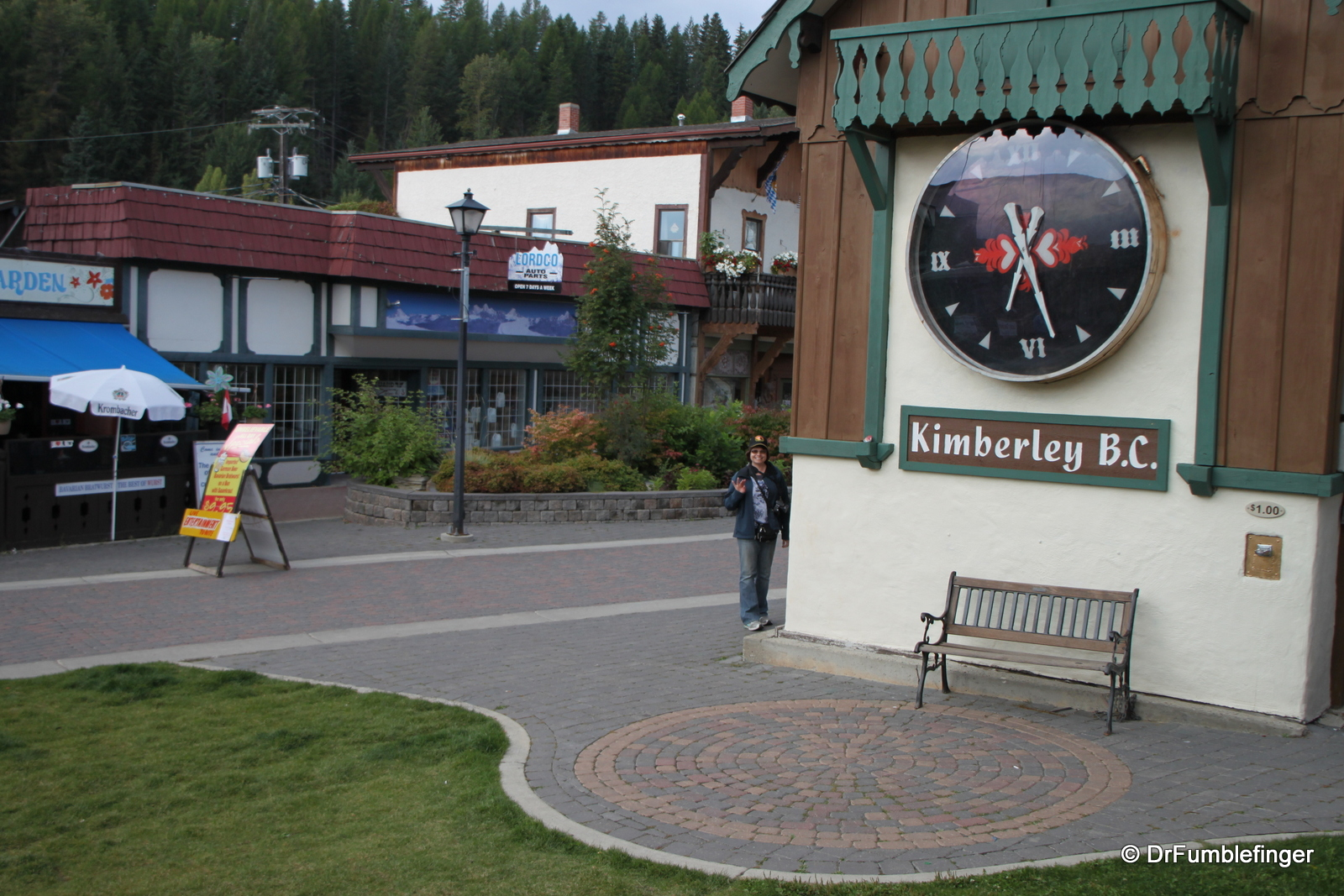 Canada's largest free-standing cuckoo clock