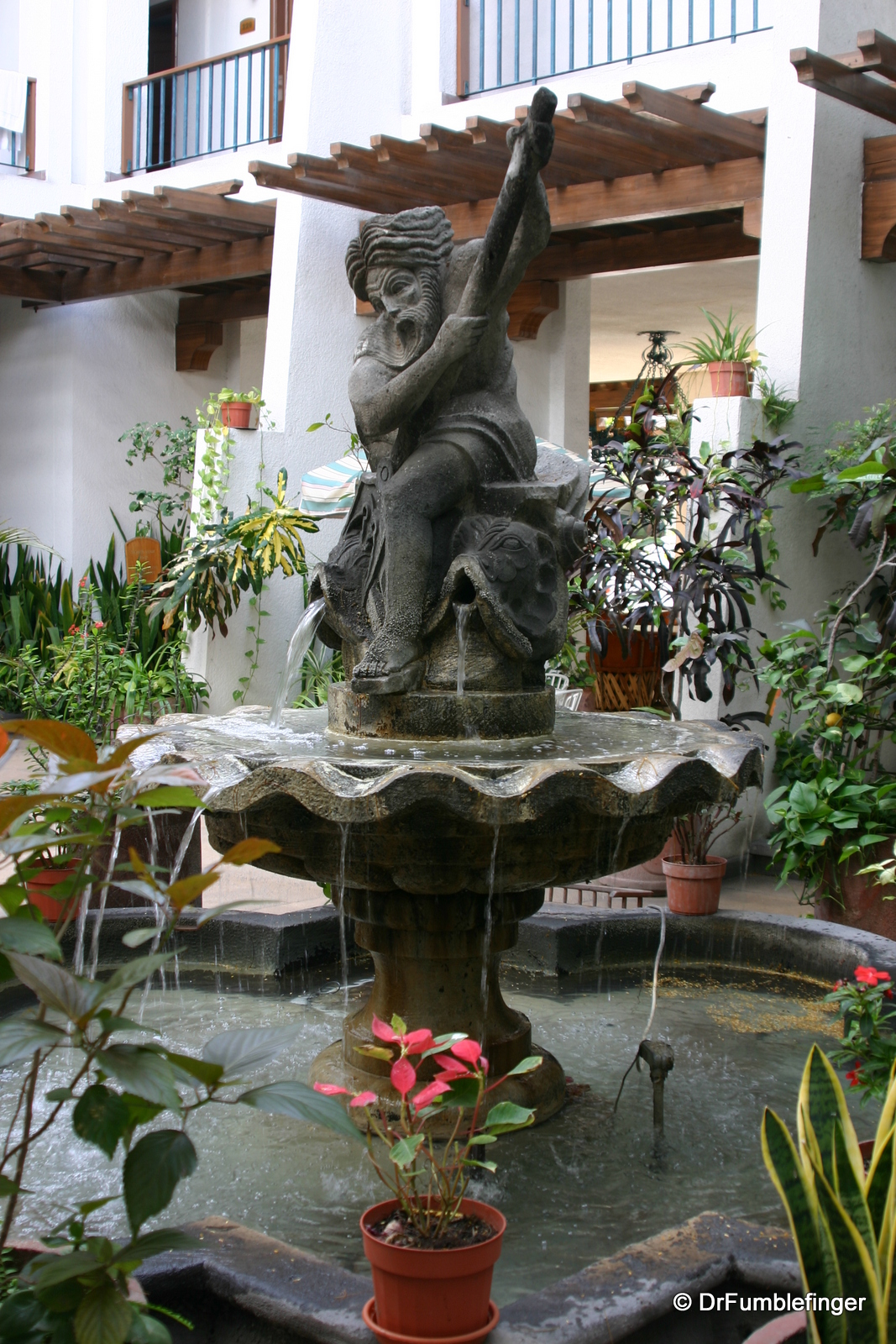 La Paz, courtyard of the Hotel Los Arcos