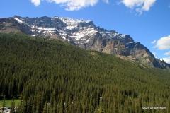 Mountains surrounding Moraine Lake, Banff NP