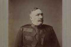 Col_SB_Steele_commanding_Strathcona's_Horse_No_733_(HS85-10-11347)