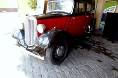 Colombo's Old Fort District, Classic Car