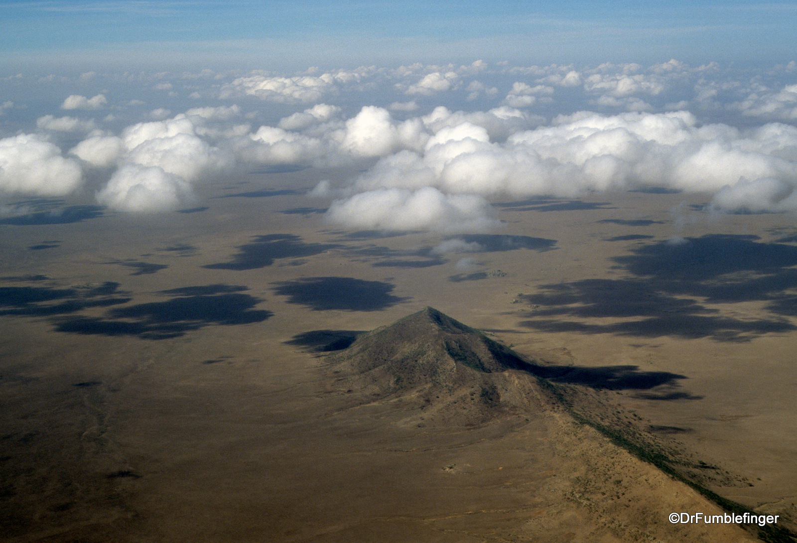 1999-tanzania-serengetti-059-flight-to-serengeti