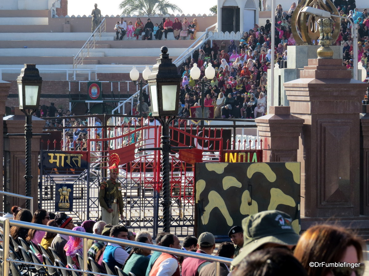 Gate between Pakistan and India, Wagah Border crossing