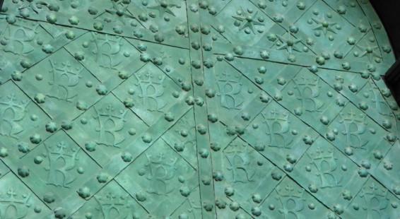 07-Doors-of-Krakow-25