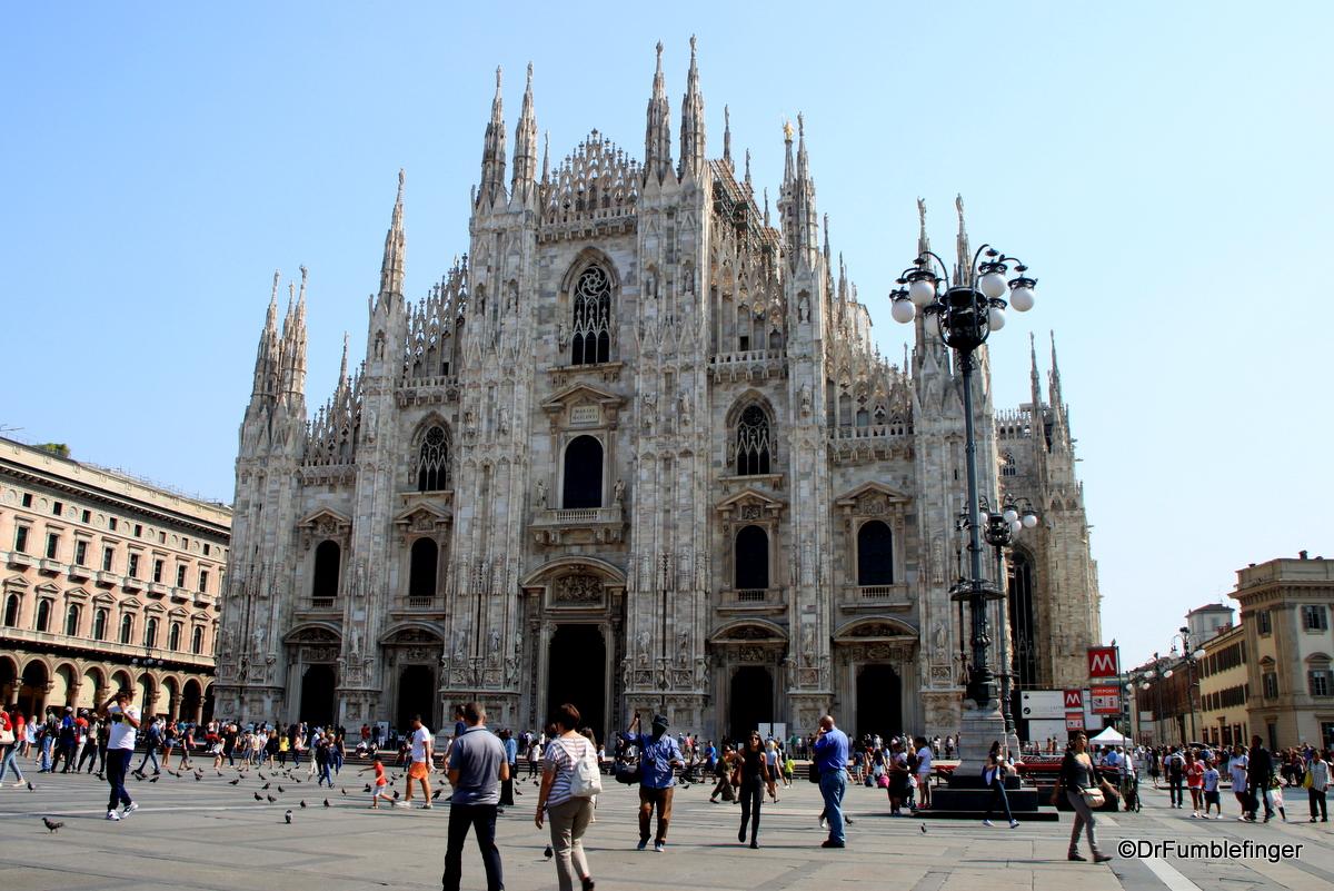 Milan's great Duomo, Piazza del Duomo
