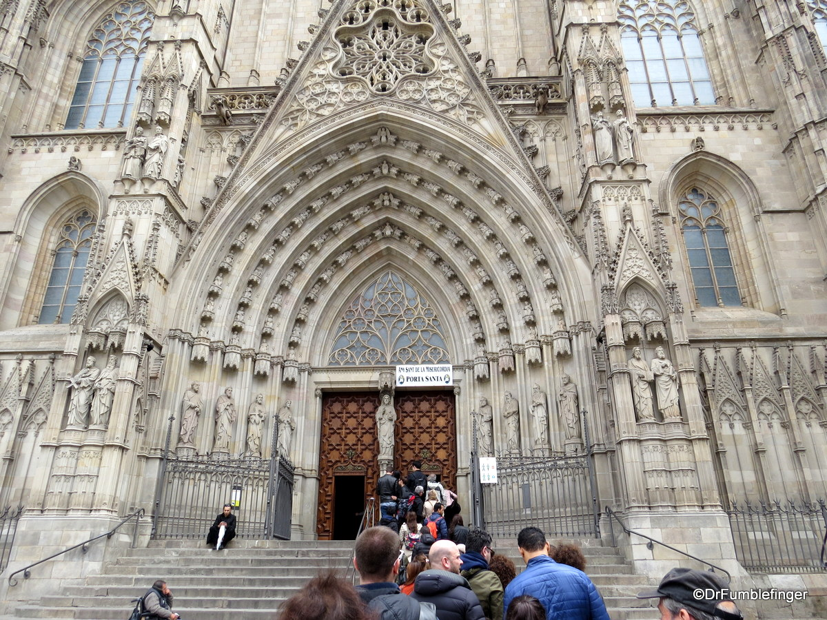 Main entrance to the Barcelona Cathedral