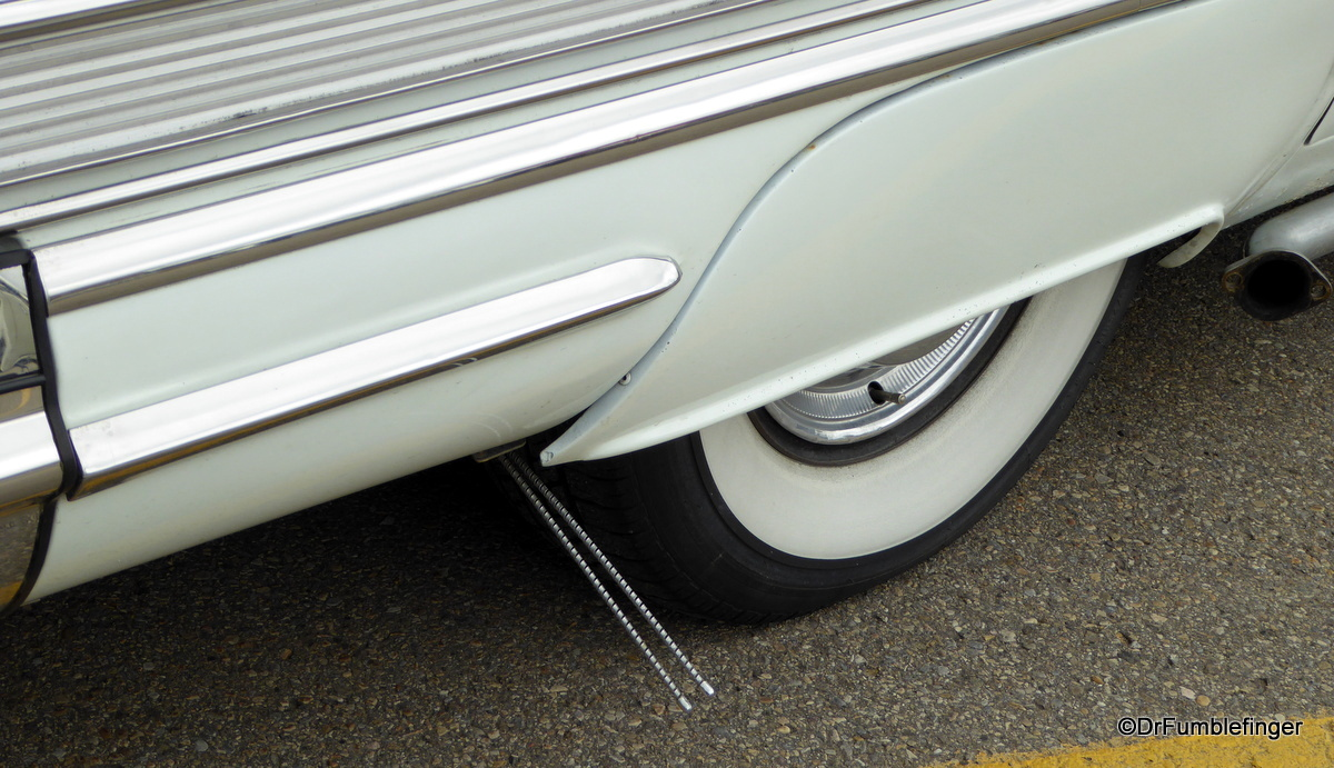 1958 Buick Special. Note the steel antennae by the wheels