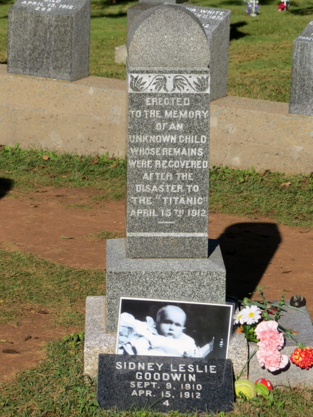 """Grave of the """"Unknown Child"""", Fairview Cemetery"""
