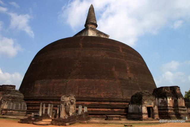Rankoth Vehera in Polonnaruwa