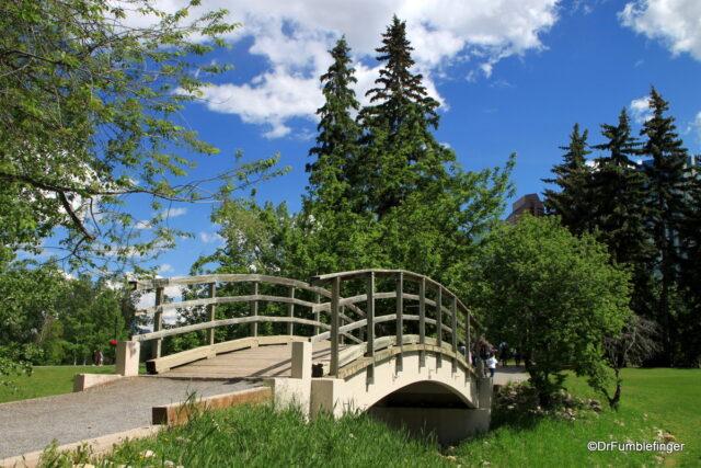 Trail on Prince's Island Park, Calgary