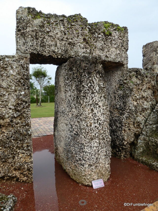 Old nine-ton gate, Coral Castle