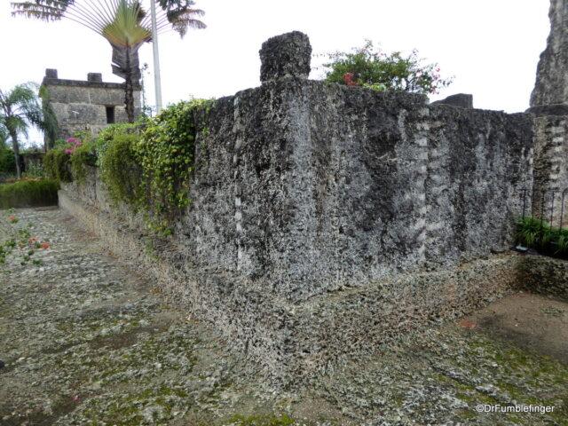 Walls, Coral Castle