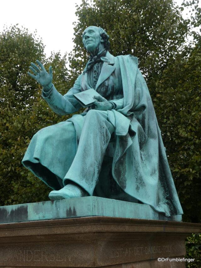 Rosenborg Castle Gardens - Hans Christian Andersen statue